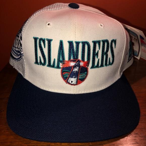 b9a6b91e2e121 Vintage Islanders Sports Specialties snapback